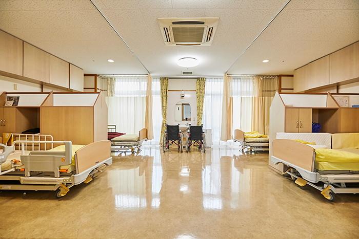 多床室 4人部屋